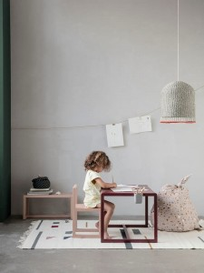 Stolik- Little Architect - różne kolory -FERM LIVING