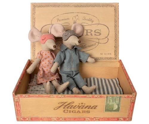 Topnotch Myszki Mama i Tata w piżamkach w pudełku po cygarach - MAILEG AI82